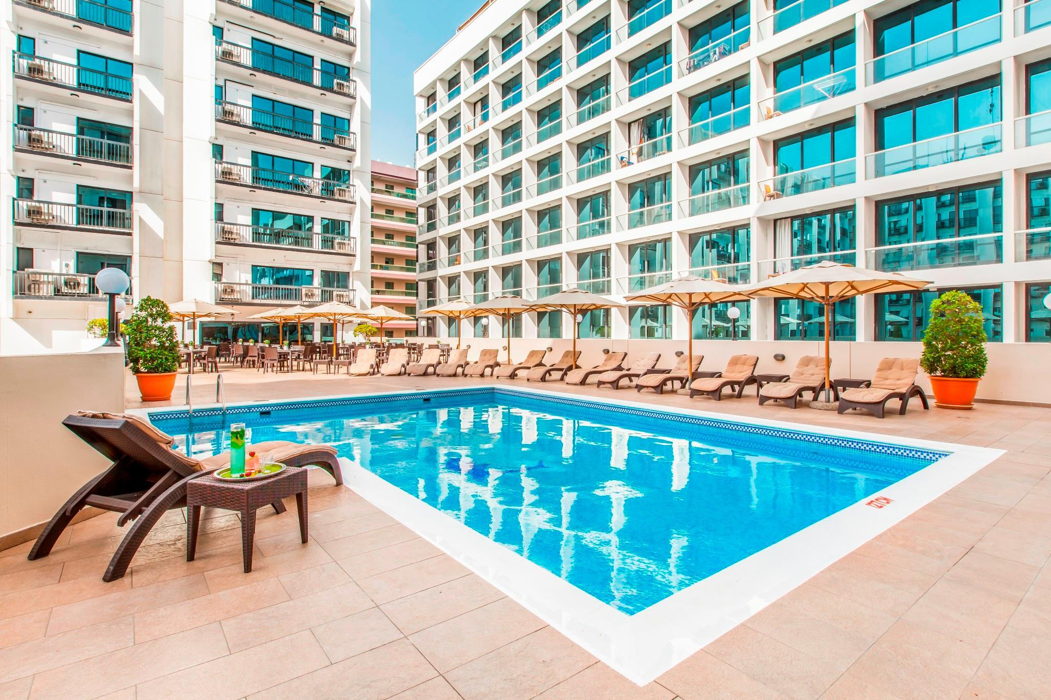 Golden Sands Hotel Apartments
