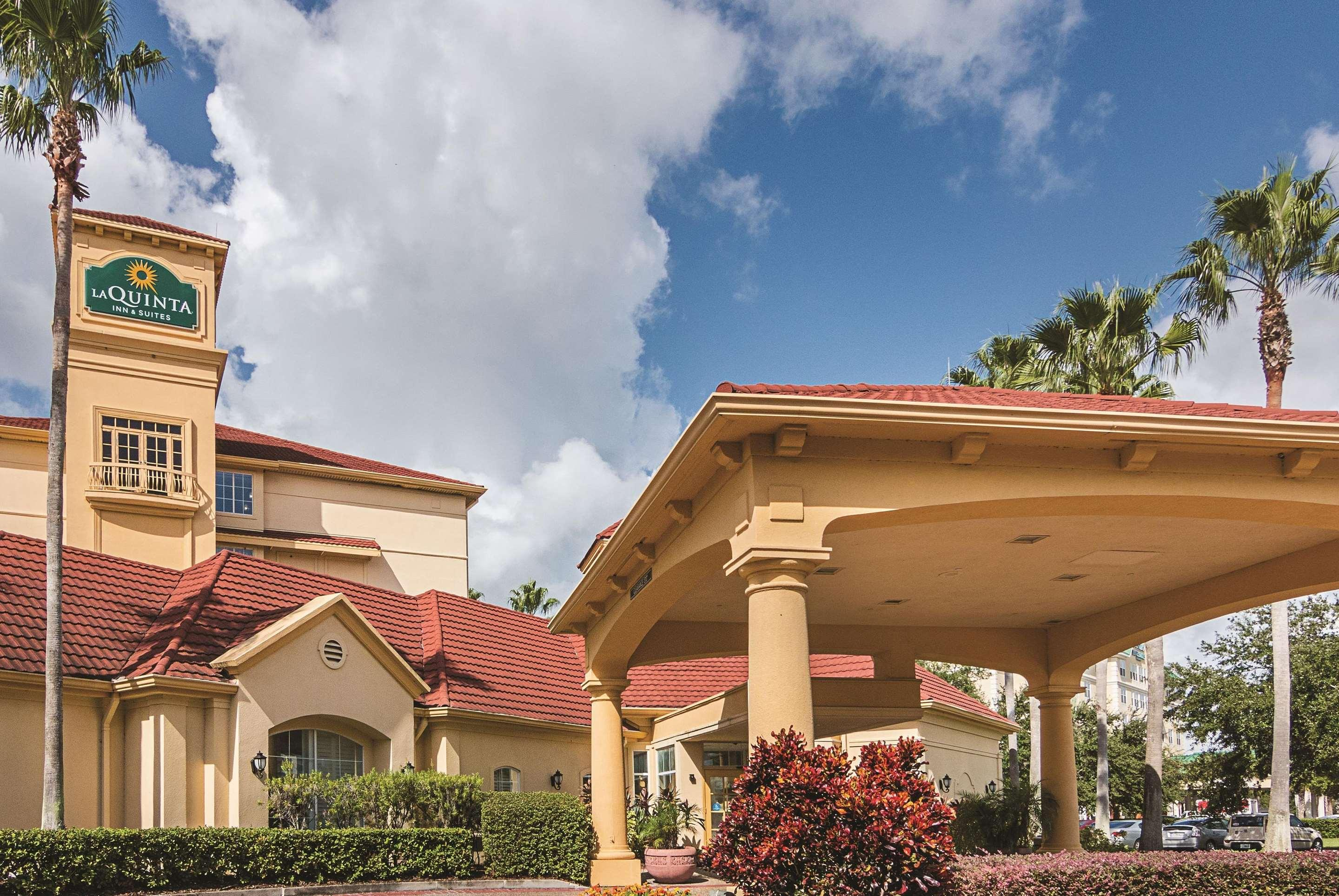 La Quinta Inn & Suites by Wyndham Orlando Airport North